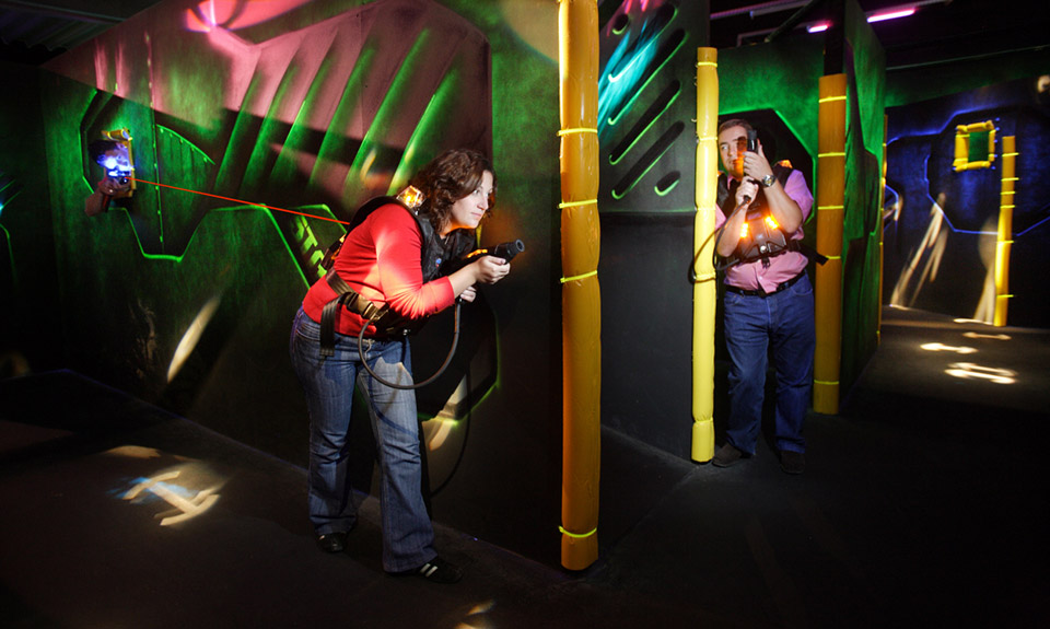 Speedpark tarifs karting bowling et laser le mans for Karting interieur